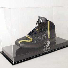 5,400 $ για τα Adidas D Rose 4 του Tony Allen